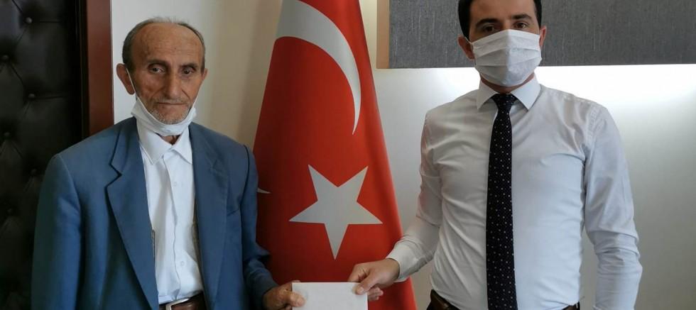 Ahmet Amca'dan Anlamlı Bağış