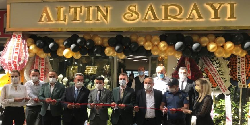"""""""Altın Sarayı"""" Çarşıbaşı'nda Açıldı"""