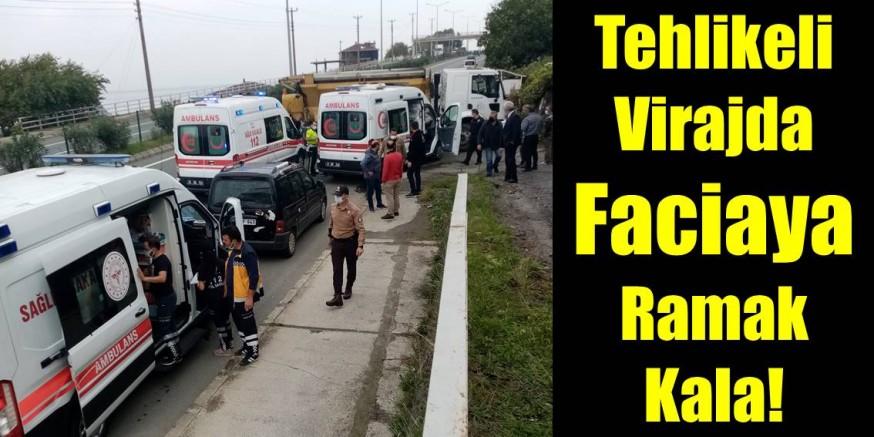 Ambulans Belediye Aracına Çarptı